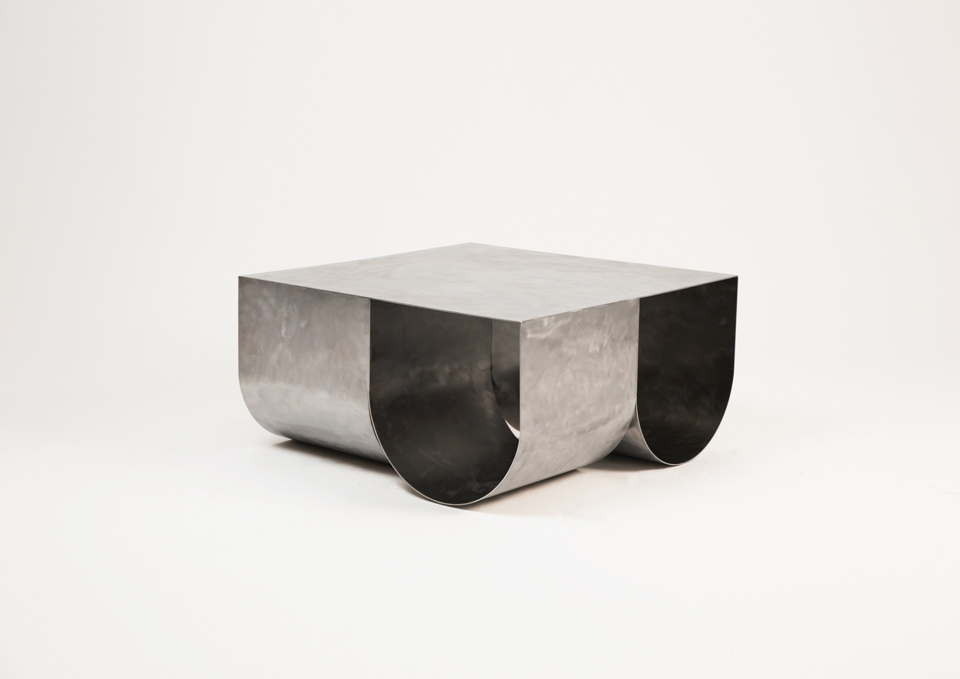 ATELIER SOHN ONE TABLE